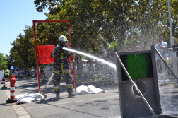 Legerősebb tűzoltók versenyének egyik versenyszáma, tűzoltói erőpróba.
